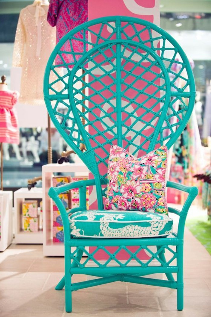 Thron-Sessel-aus-Rattan-in-türkis-Farbe