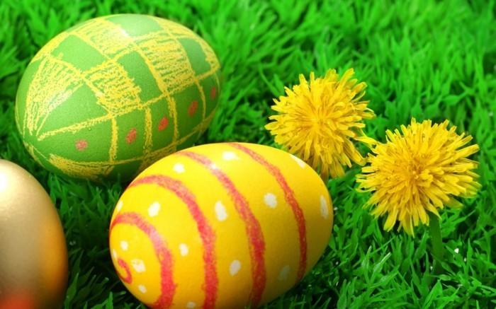 Wallpaper-Ostern-mit-Eiern-und-Löwenzähnen