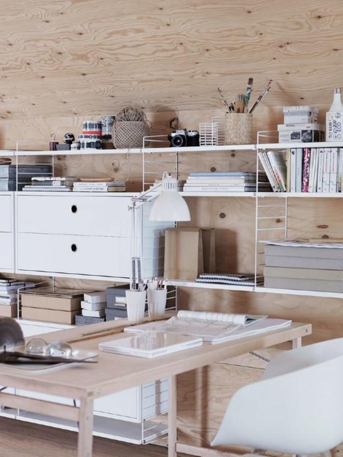 Weißes-Regalsystem-mit-großen-Schubladen