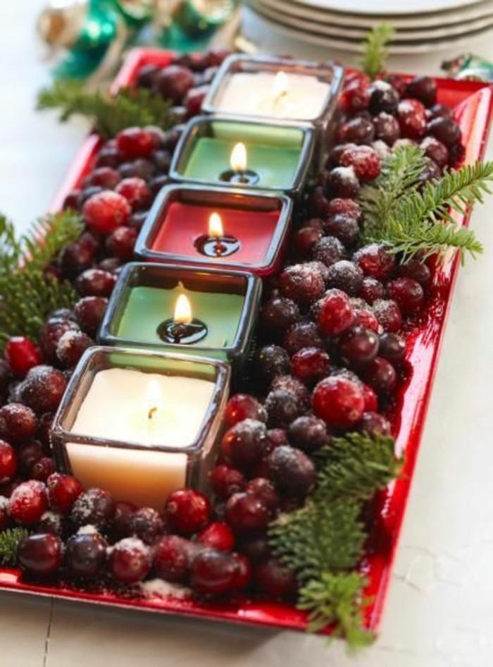 Weihnachtstischdeko-mit-Früchten-und-Teelichtern