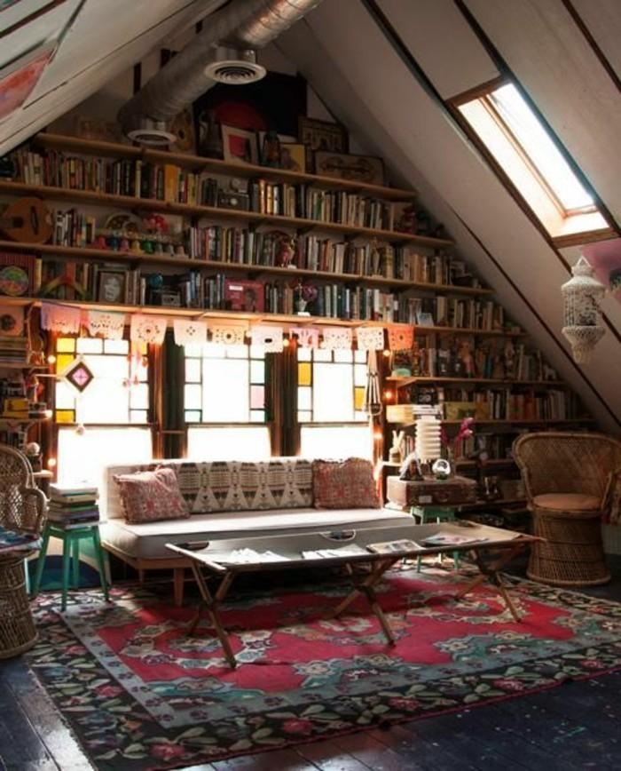 attraktive-wohnzimmer-wandgestaltung-viele-bücherregale