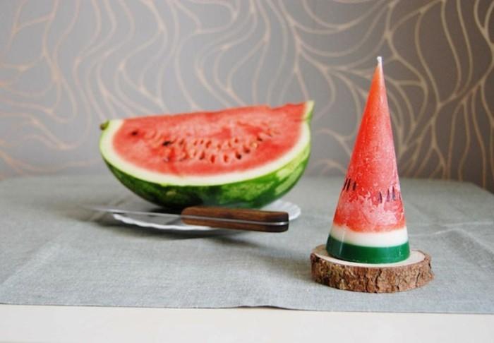 ausgefallene-kerzen-wie-ein-stück-wassermelone