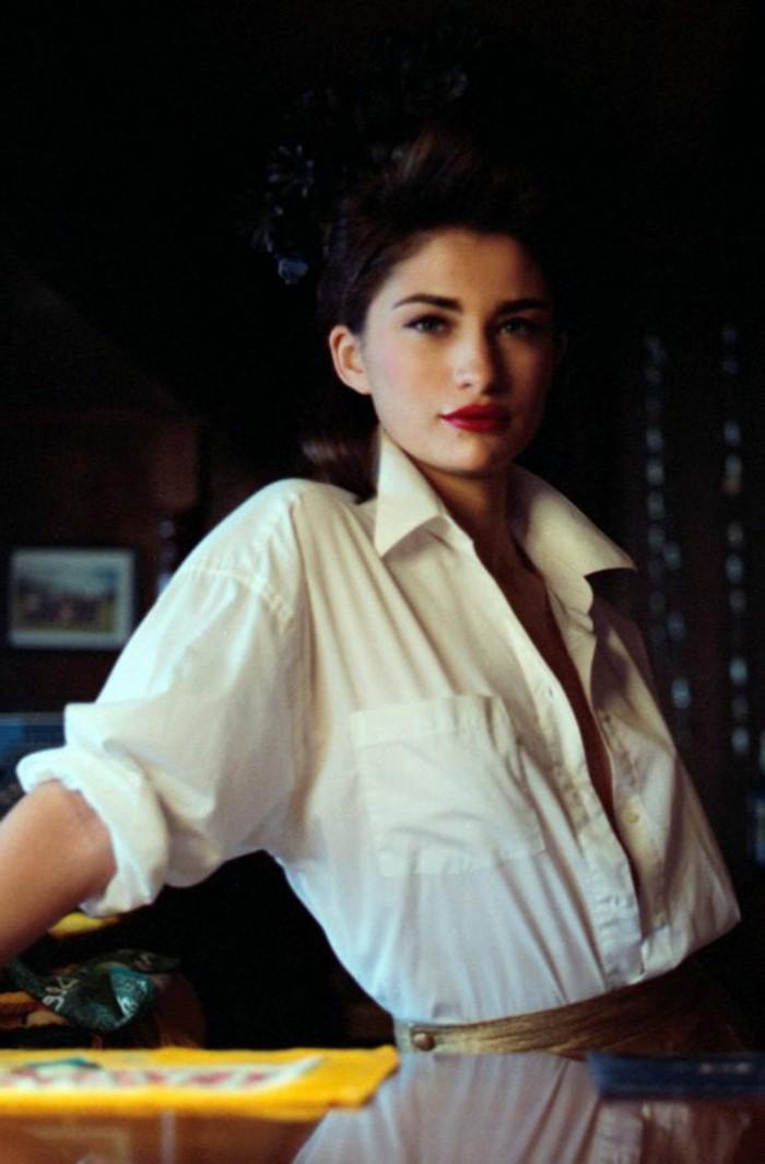 bügelfreie-weiße-hemden-für-elegante-damen