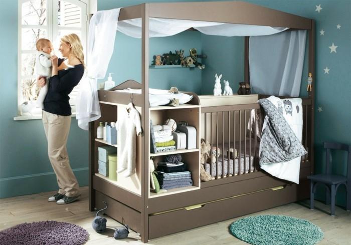 baby-bettchen-kreative-gestaltung-blaue-wände