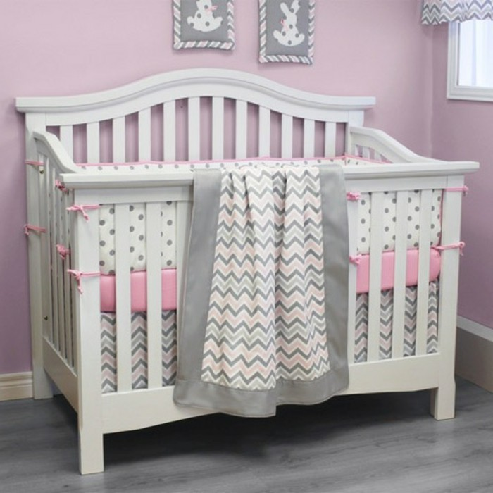 babybett-weiß-wunderschönes-babyzimmer-für-mädchen