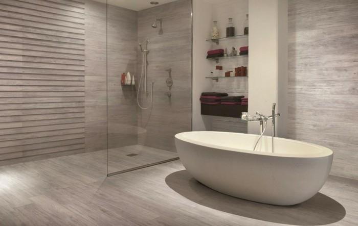 Bodenfliesen in holzoptik f r ein tolles bad for Carrelage salle de bain clair