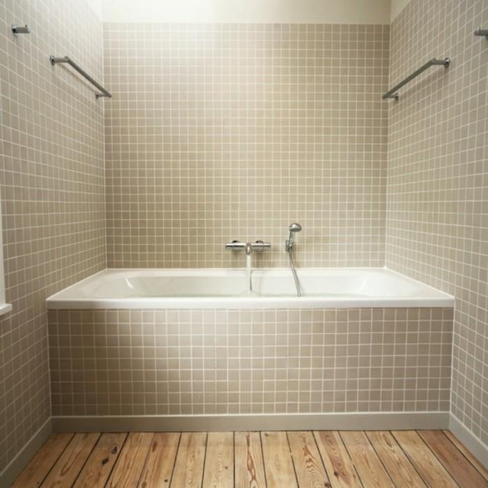 Badezimmer Bodenfliesen Holzoptik Beige Badewanne Einfaches Design