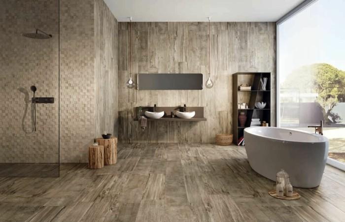 badezimmer-bodenfliesen-holzoptik-glaswand-weiße-badewanne-große-duschkabine