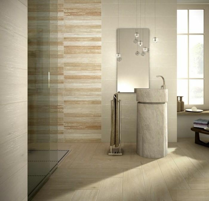 Badezimmer  Bodenfliesen Holzoptik Moderner Wandspiegel Attraktive Duschkabine Beige
