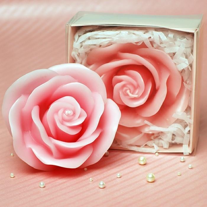 bild-kerze-als-Rose-geformt