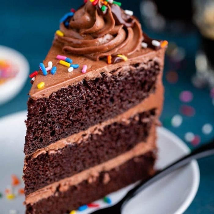 bunte streuseln schokoladen geburtstagstorte rezept selber machen leckere torte zum geburtstag