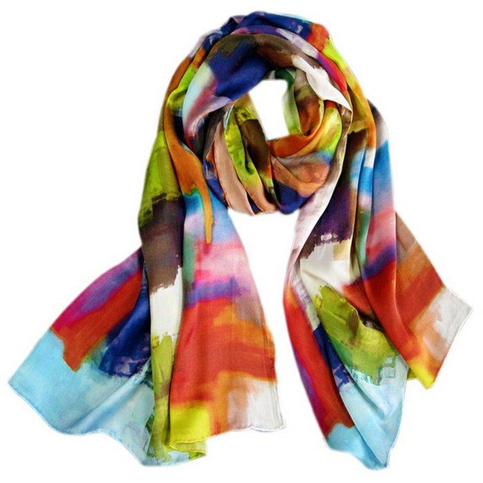 bunter-Schal-geeignet-für-jeden-Outfit