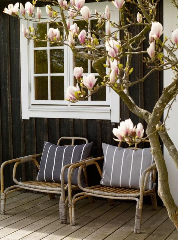coole-Outdoor-Rattanmöbel-für-den-Balkon