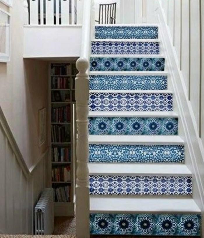 dekoideen-flur-Illustration-auf-der-treppe