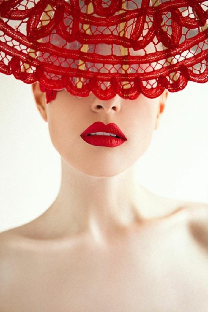 dekoratives-Modell-Hut-mit-Spitze