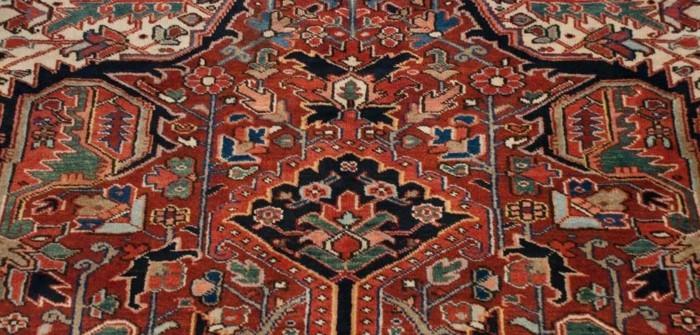 die-mitte-eines-persischen-teppichs