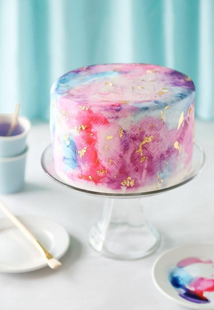 effektvolle-Torte-in-süßen-Nuancen