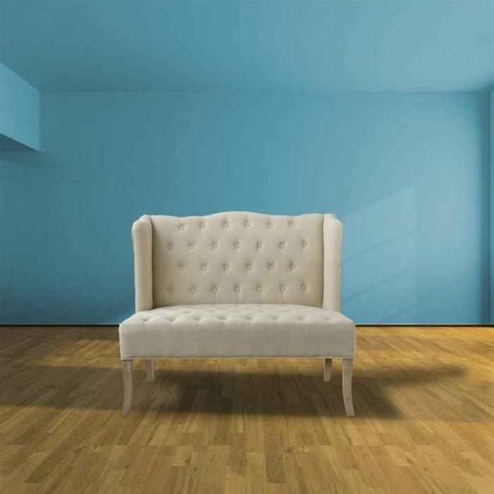 einfache-weiße-Couch-zum-Wohnzimmer-oder-Büro