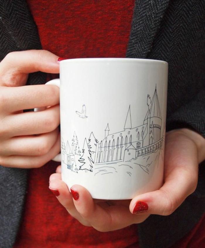 einfacher-Mug-mit-schöner-Zeichnung