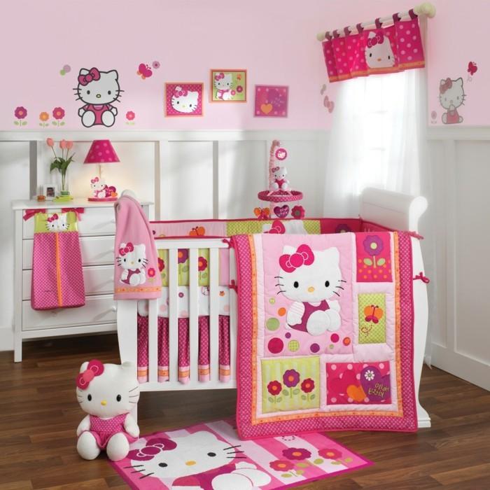 einmalige-babyzimmer-gestaltung-rosiges-baby-bett-für-mädchen