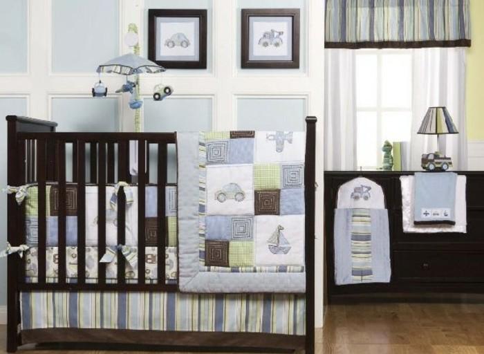 einmaliges-design-von-babyzimmer-hölzernes-bett