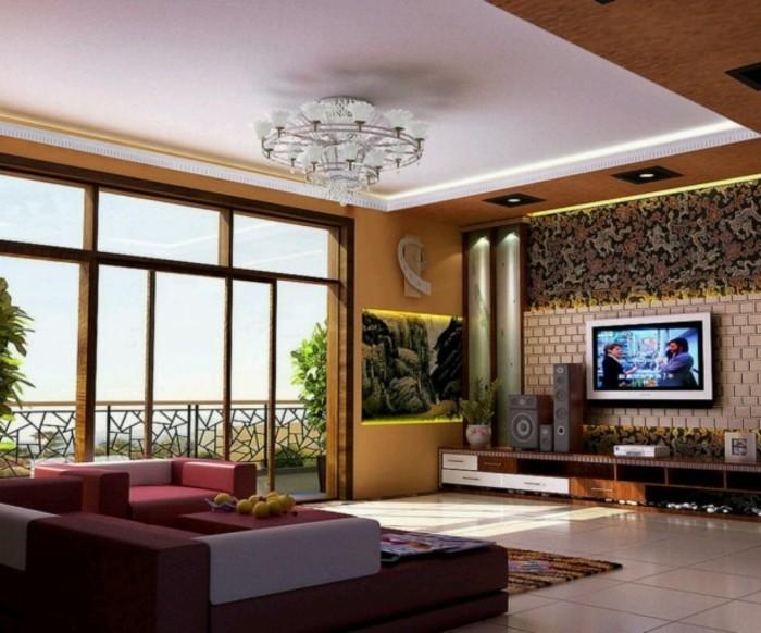elegante-deckenverkleidung-große-fesnter-und-modernes-sofa