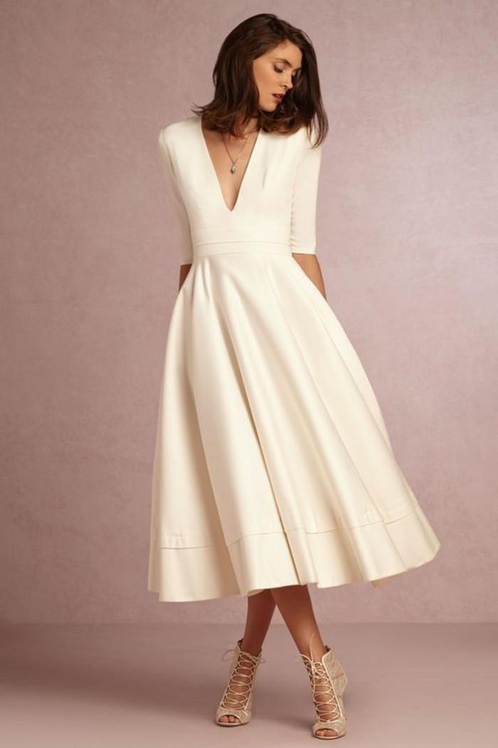 elegante-schöne-lange-damenkleider-in-weiß