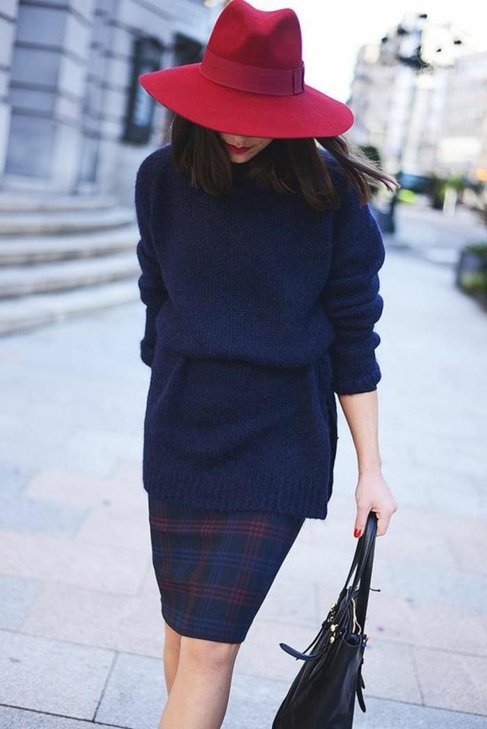eleganter-Look-für-den-Alltag-roter-Hut