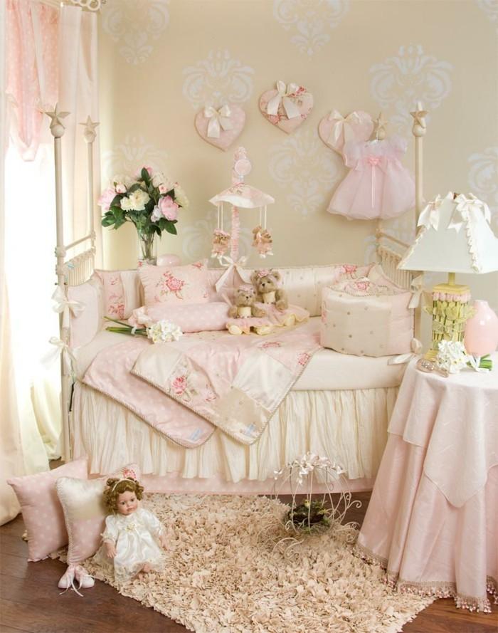 elegantes-babybett-weiß-im-wunderschönen-babyzimmer-für-mädchen