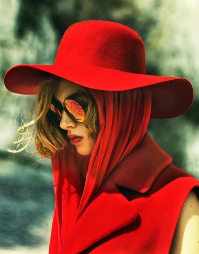fantastische-Kombination-von-Hut-und-Sonnenbrillen