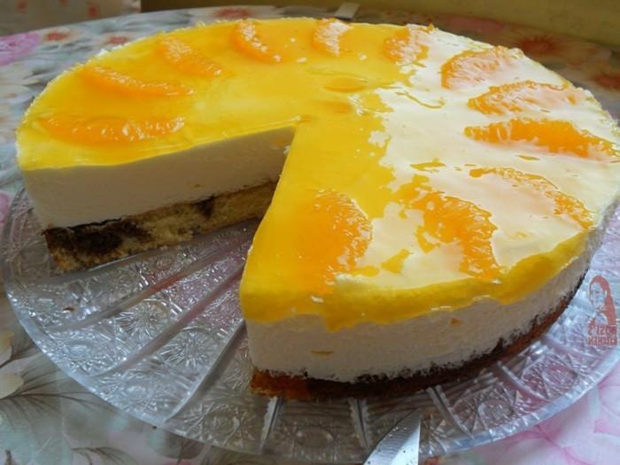 fruchtige-torten-mit-Orangen-und-gelber-Creme
