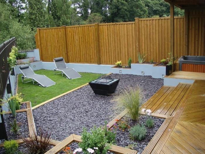 gartenideen-für-kleine-gärten-großer-zaun-attraktives-exterieur