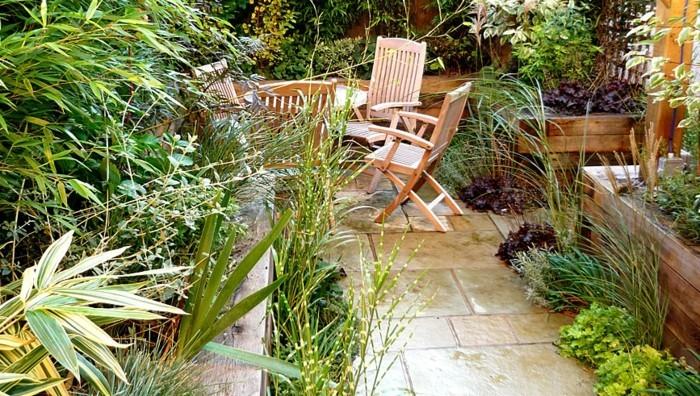 gartenideen-für-kleine-gärten-schöne-grüne-pflanzen-attraktives-design