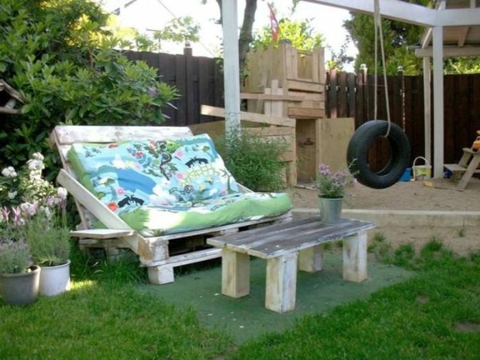 gartenmöbel-aus-paletten-herrliches-design-sofa-aus-europaletten