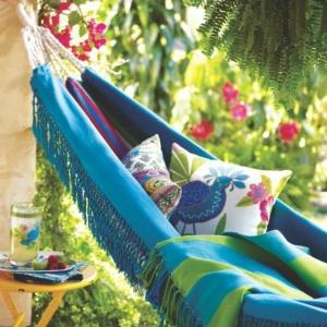 Hängematte auf dem Balkon - Urlaub zu Hause!