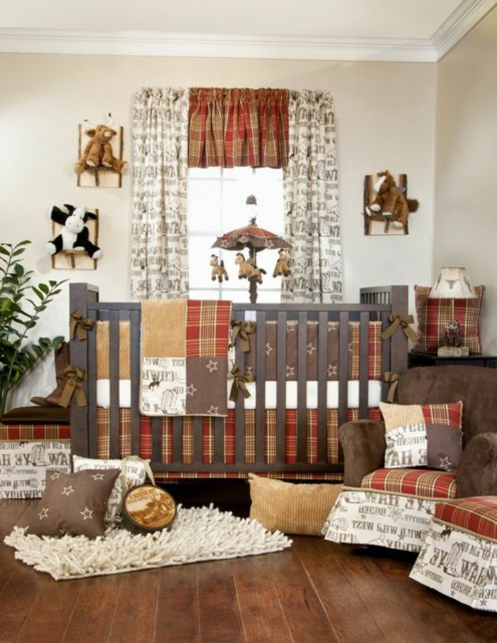 hölzernes-babybett-im-wunderschönen-gemütlichen-babyzimmer