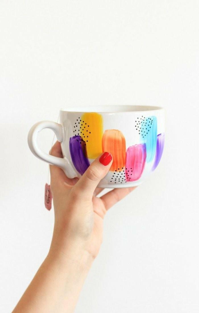 handbemalter-Mug-in-frischen-Farben