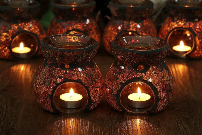 handgemachte-Teelichthalter-aus-Glas-mit-Vasen-Design