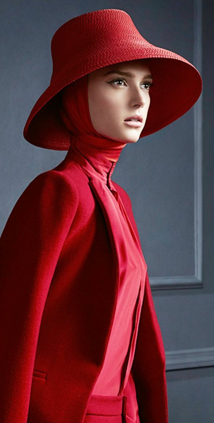 haute-couture-Outfit-in-Rot