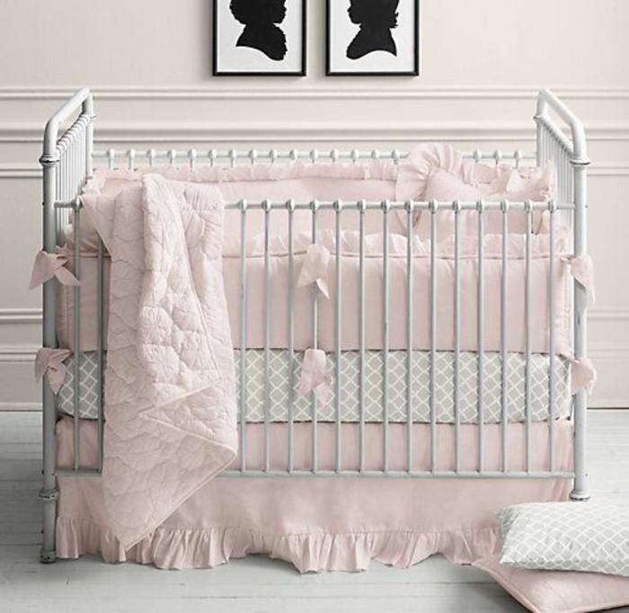 herrliches-design-baby-kinderbett-mädchen-weißes-babyzimmer