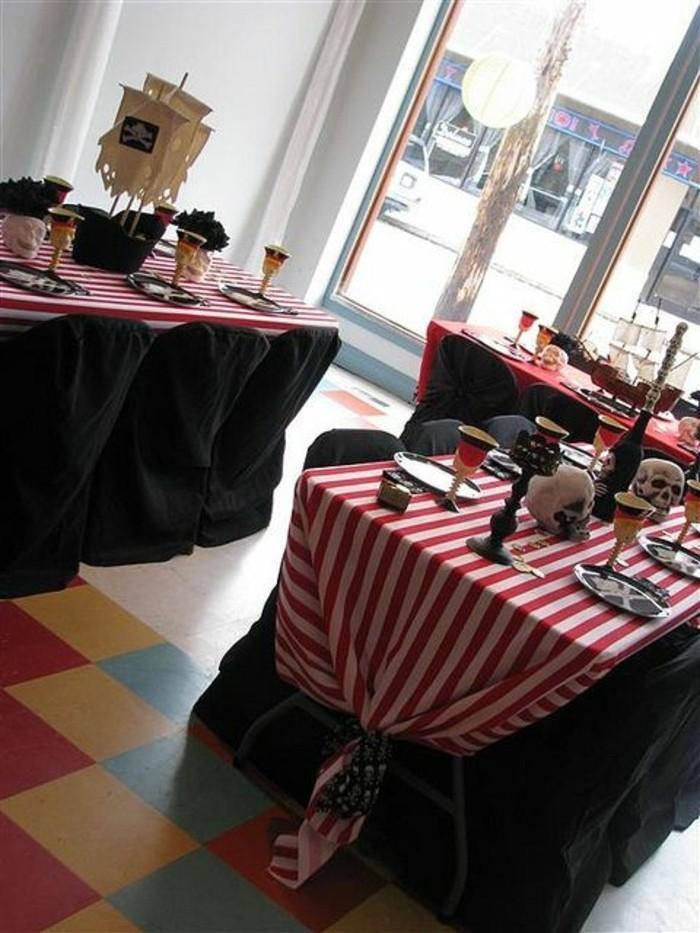 interessante-Tischdekoration-Ideen-mit-Piraten-Motiven