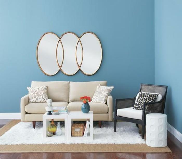 interessante-wandgestaltung-farbe-blaues-modernes-wohnzimmer