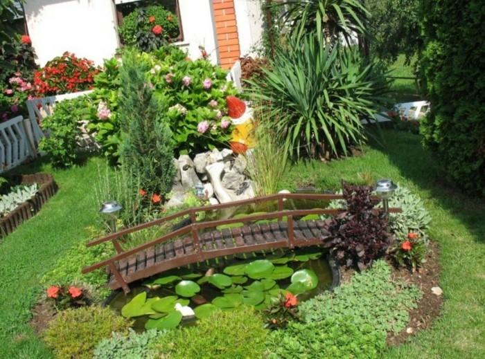 interessanten-vorgarten-anlegen-grünes-gras-überall