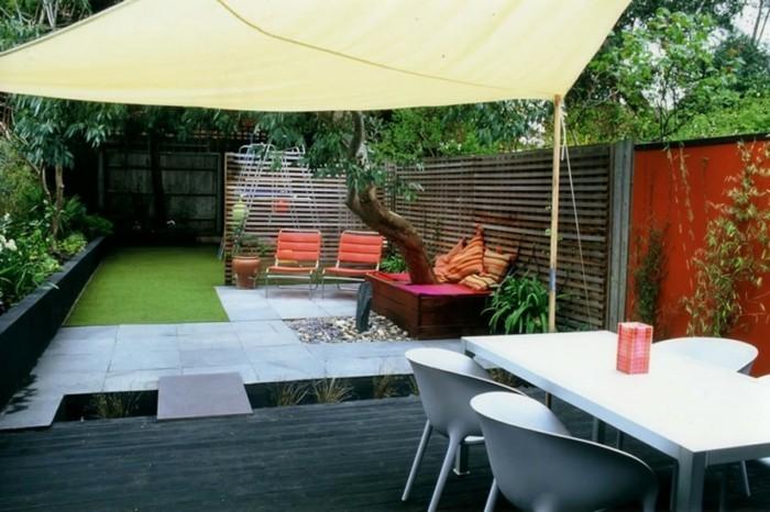 interessanten-vorgarten-anlegen-weißer-schöner-sonnenschirm