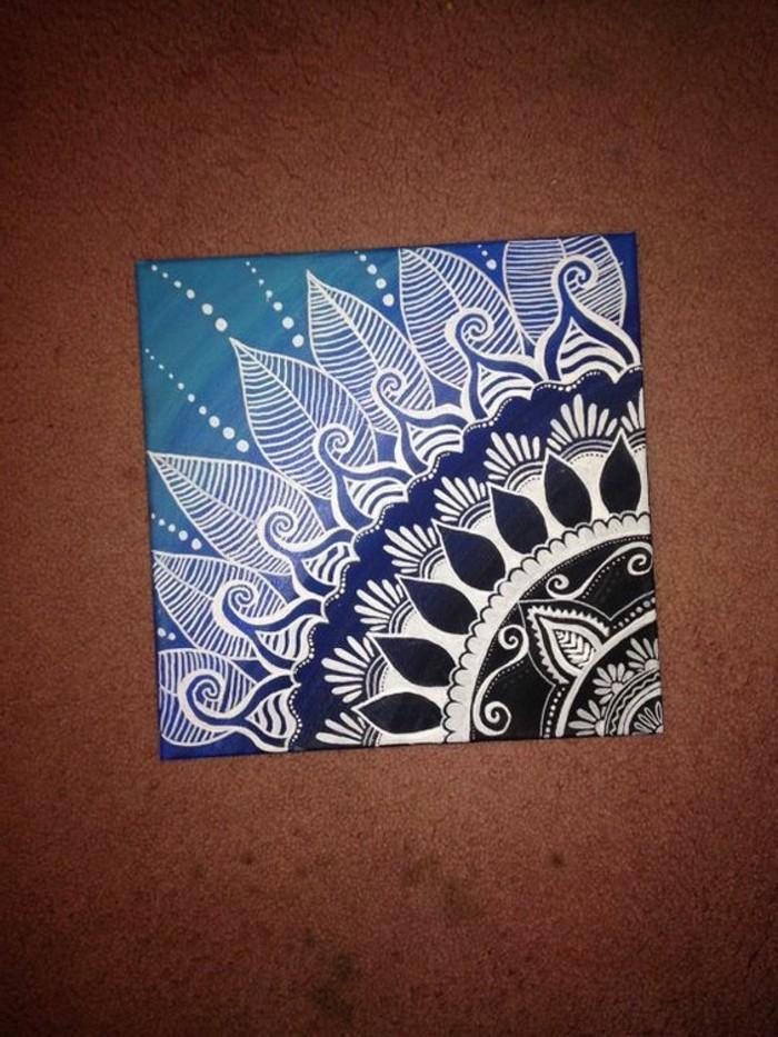 interessantes-Leinwandbild-mit-Mandala-Motiven