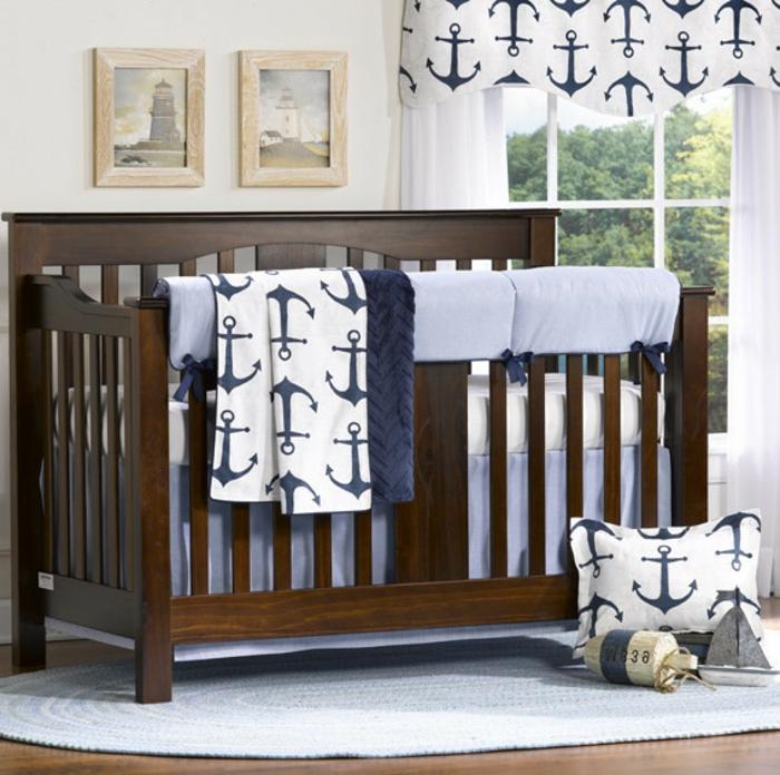 Interessantes Design Kinderbett Junge Baby Großes Fenster Im