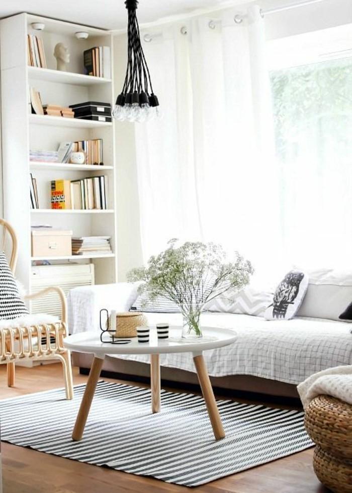 interessantes-modell-wohnzimmer-deckengestaltung-im-wohnzimmer-hängende-schwarze-lampe