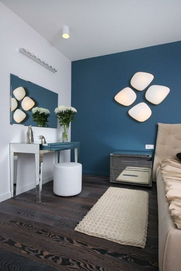Interessantes Schlafzimmer Mit Toller Wandgestaltung Farbe Petrol    Wohnzimmer In Petrol Gestalten