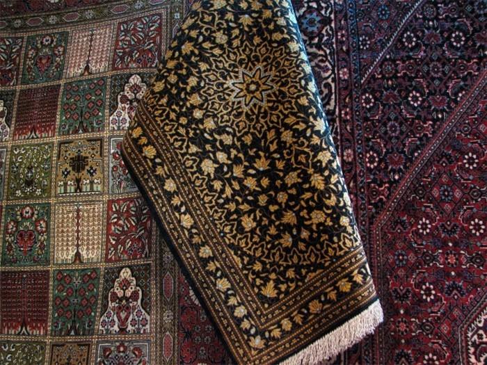 iranische-teppiche-in-dem-Geschäft
