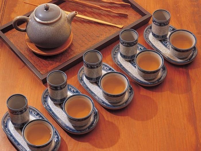 japanische-teekanne-zu-teezeremonie-bereit
